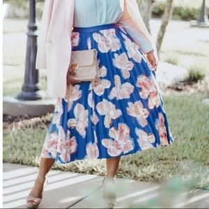 NWT a new day pleated midi skirt blue floral XL